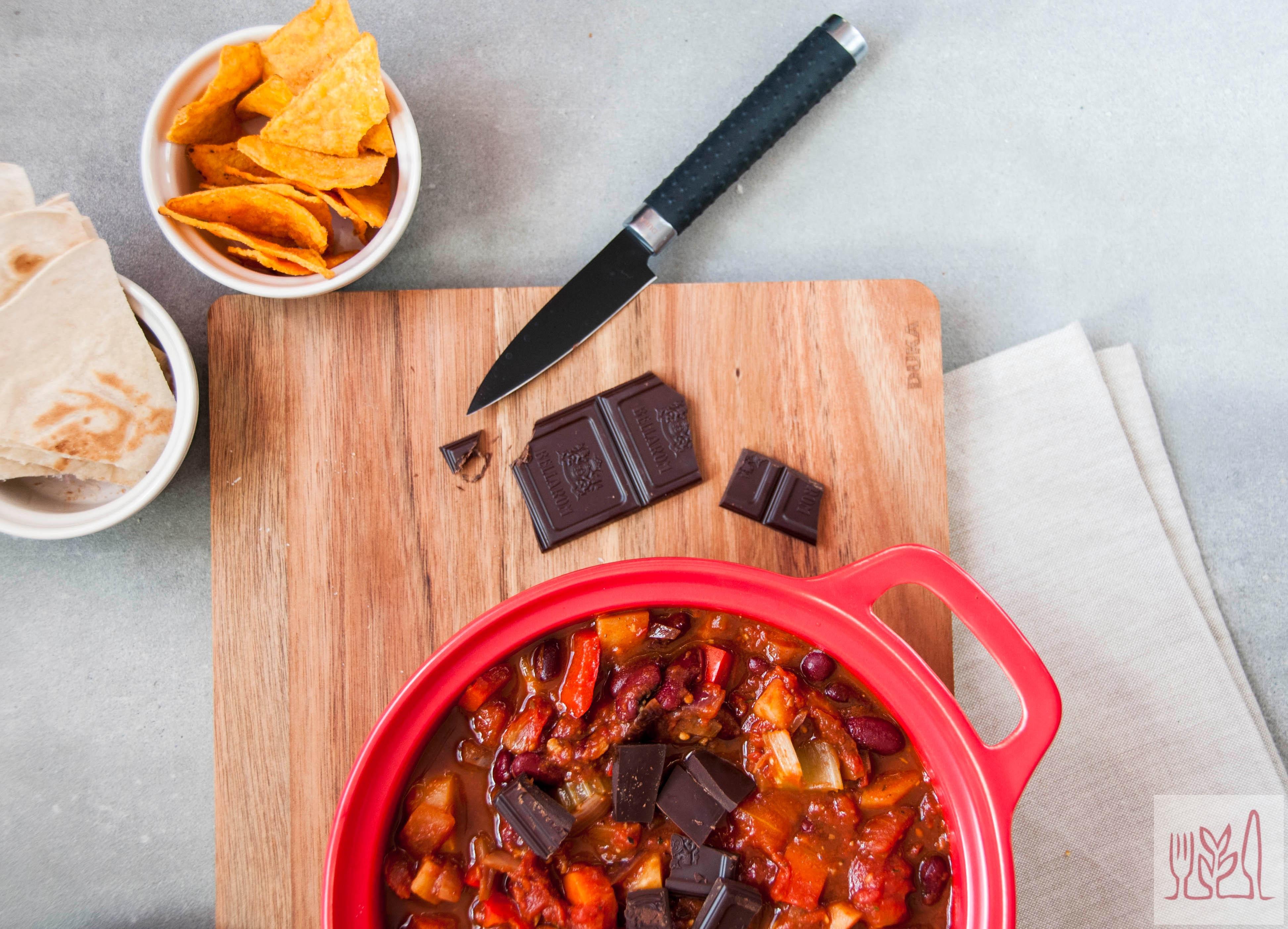 Chili sin carne z czekoladą